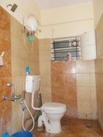 13DCU00211: Bathroom 2