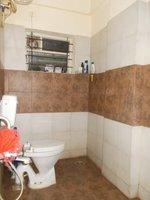 13DCU00211: Bathroom 1