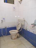 13M5U00009: Bathroom 1