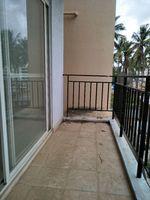11J7U00272: Balcony 2