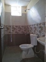 11J7U00272: Bathroom 3