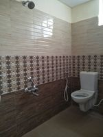 11J7U00272: Bathroom 1