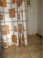 10A4U00252: Bathroom 2