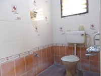 13OAU00086: Bathroom 1