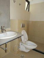 13M3U00318: Bathroom 1