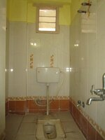 15J7U00645: Bathroom 2