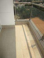 13A4U00237: Balcony 2