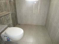 13A4U00237: Bathroom 1