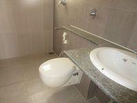13A4U00237: Bathroom 2