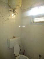 11DCU00330: Bathroom 1