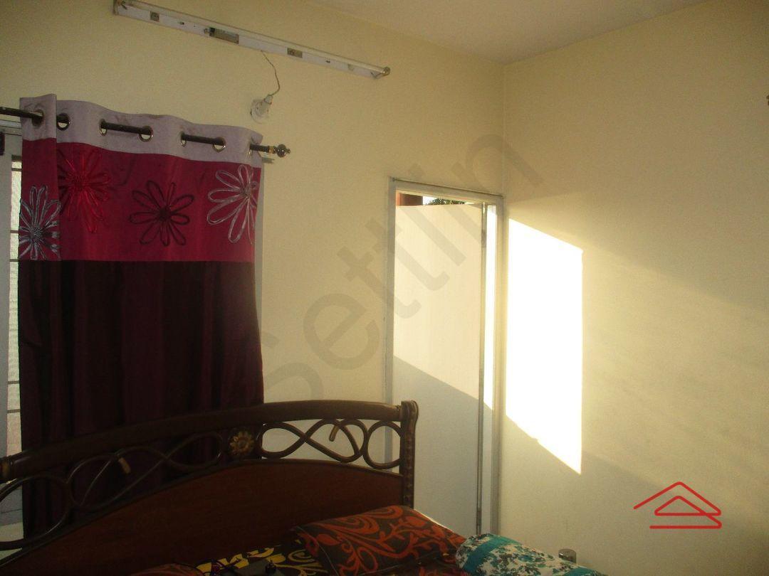 11DCU00330: Bedroom 1