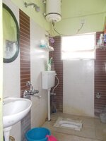 15M3U00165: Bathroom 2