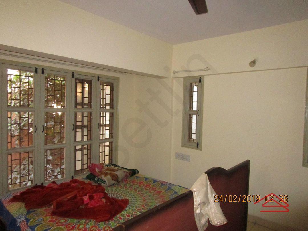 13F2U00445: Bedroom 1