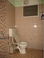 10A8U00149: Bathroom 2