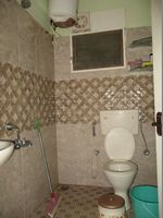 10A8U00149: Bathroom 1