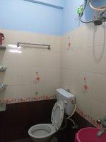 13OAU00033: Bathroom 1