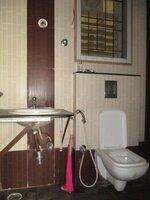 15J7U00520: Bathroom 1