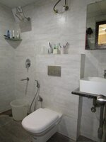 15M3U00017: Bathroom 1