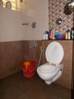 12J6U00316: Bathroom 1