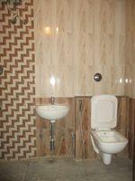 11NBU00025: Bathroom 1