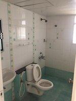 14J1U00264: Bathroom 2