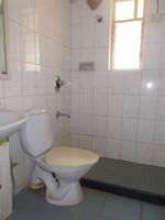 12DCU00232: Bathroom 2