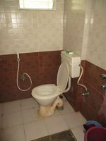 10J7U00302: Bathroom 1