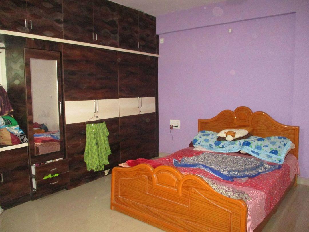 10J7U00302: Bedroom 1