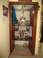 10J7U00302: Pooja Room