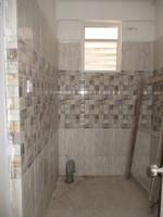 10F2U00012: Common Bathroom
