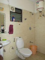 13J1U00179: Bathroom 2