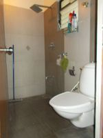 13J1U00179: Bathroom 1