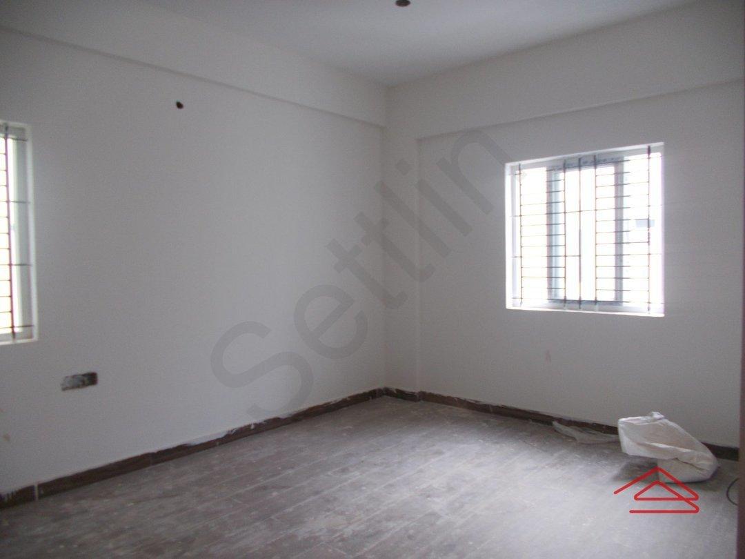 13OAU00329: Bedroom 1