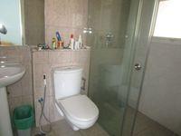 13A4U00207: Bathroom 5