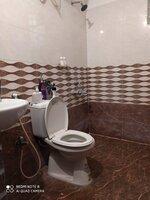 15S9U01023: Bathroom 2