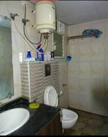 14A4U00645: Bathroom 1