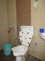 15S9U00451: Bathroom 2