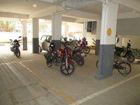 10M5U00183: parking 1