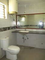 15F2U00298: Bathroom 2