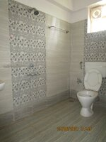 15J6U00012: Bathroom 1