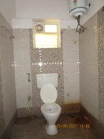 15J6U00012: Bathroom 2