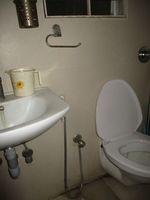 13F2U00176: Bathroom 2