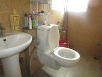 13M5U00228: Bathroom 2