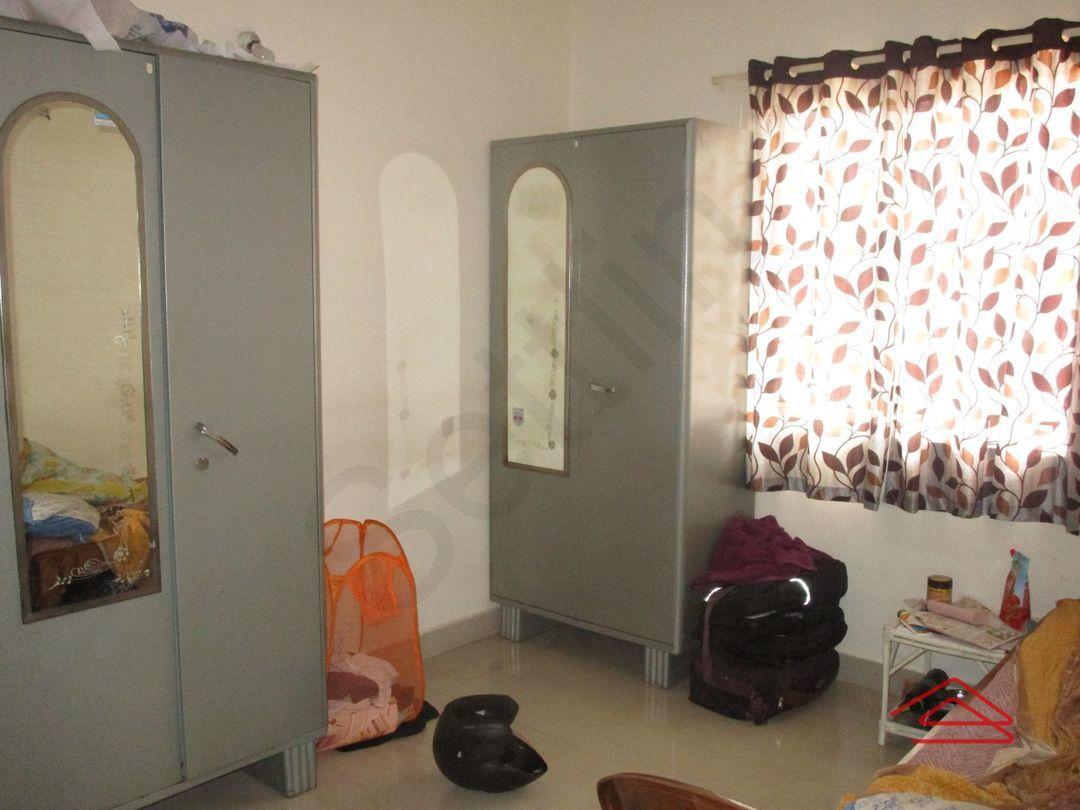 13M5U00228: Bedroom 1