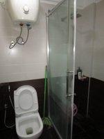 13J7U00383: Bathroom 1