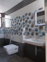15F2U00049: Bathroom 4