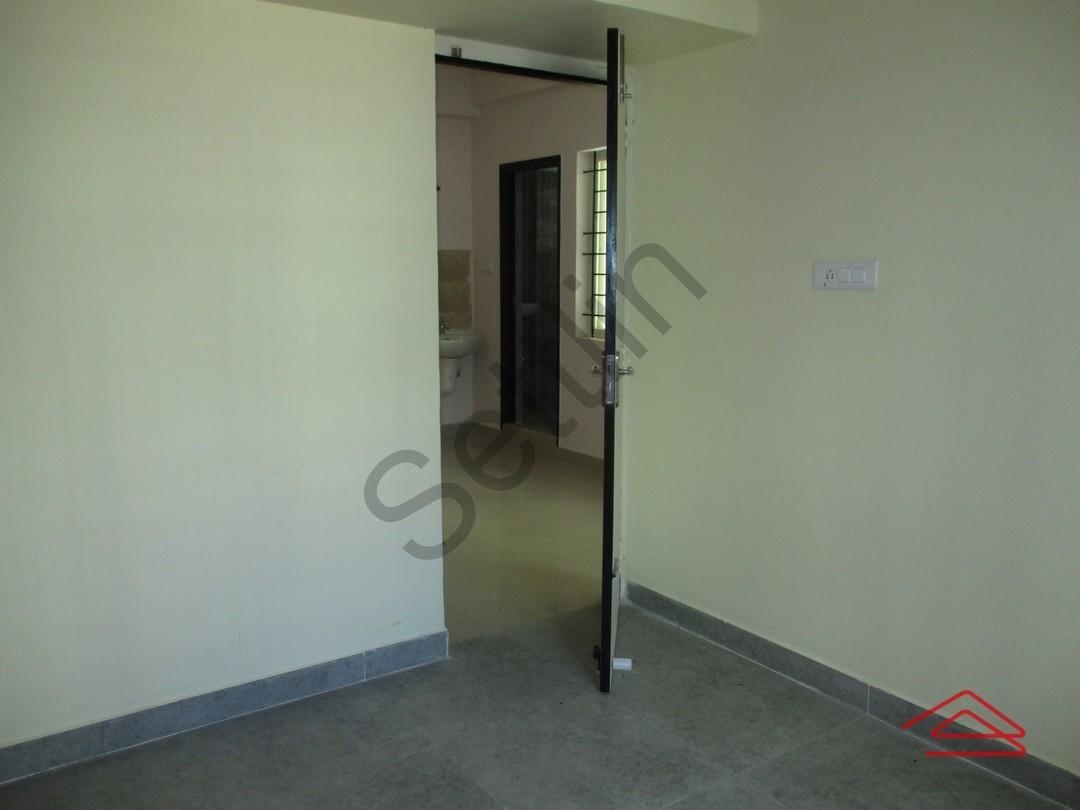 11M5U00023: Bedroom 1