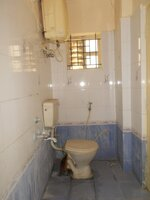 15J1U00346: Bathroom 1