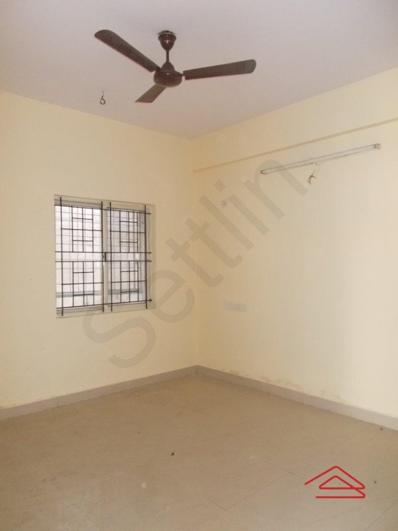 15J1U00346: Bedroom 1