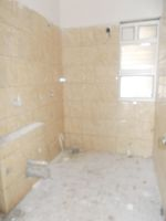 13A4U00321: Bathroom 2